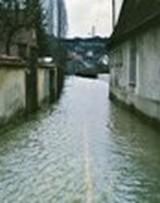 avenue-de-la-gare-st-piat-1995